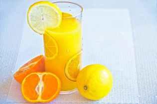 glass of lemon juice